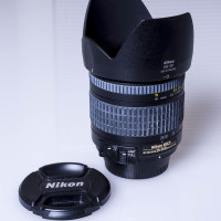 Nikon 28-200mm ED Zoom Lens
